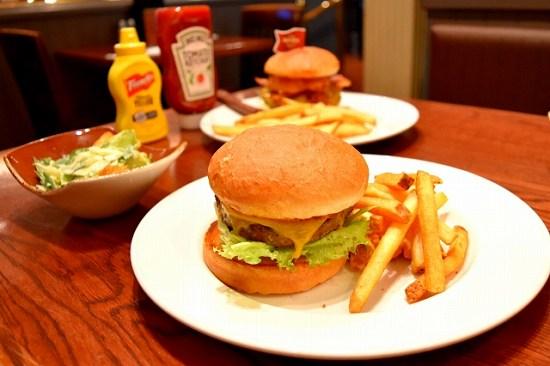 節約と外食